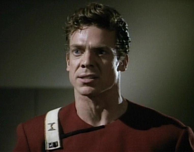 Does this guy look familiar? : startrek