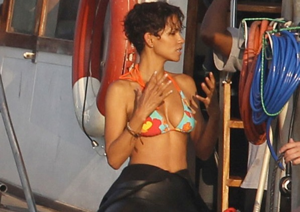 and today shocktilyoudrop has first look photos of Halle Berry in South