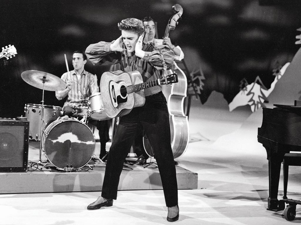 http://ramascreen.com/wp-content/uploads/2009/08/Elvis-Photo-1.JPG
